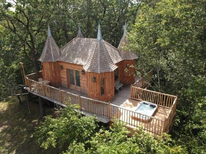 Комфортабельные дома на деревьях