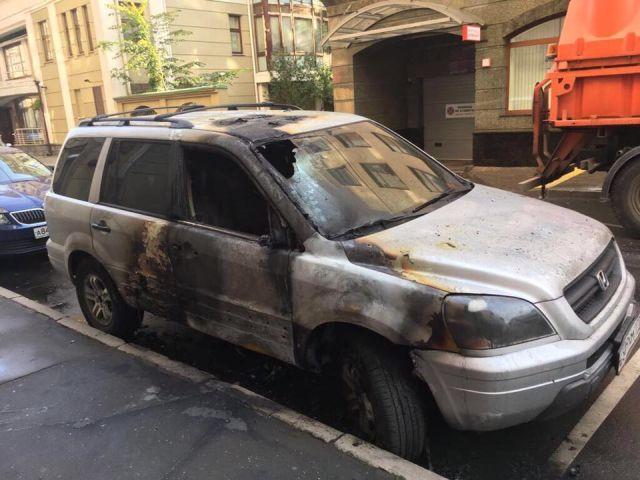 В Москве сожгли автомобиль