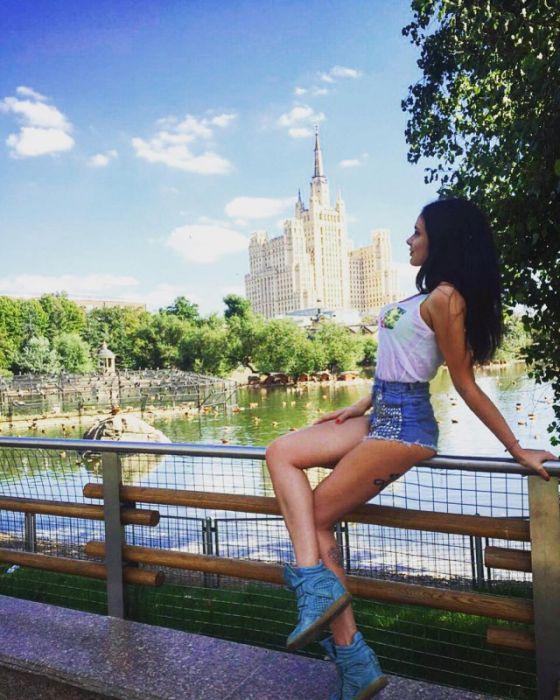 Фото красивых девушек в шортиках