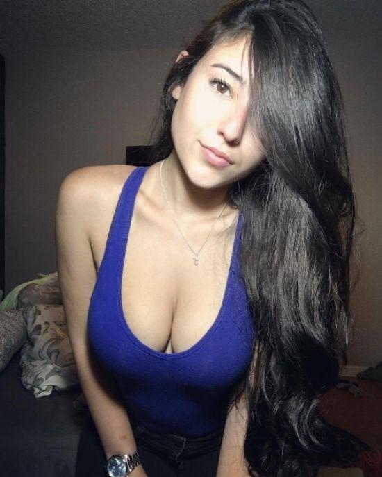 Фото девушек с большим бюстом