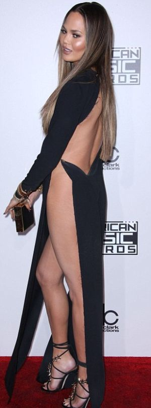 Крисси Тейген без белья