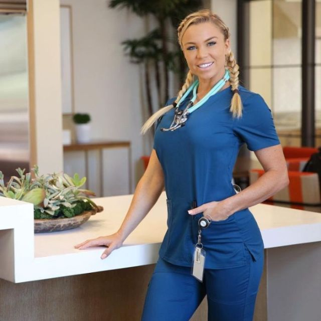 сексуальная медсестра