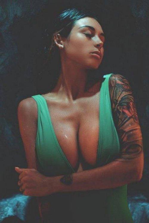 Красотки с большой грудью