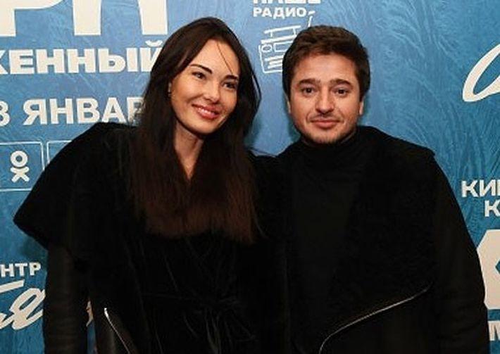 Иван Стебунов с моделью Еленой Власовой