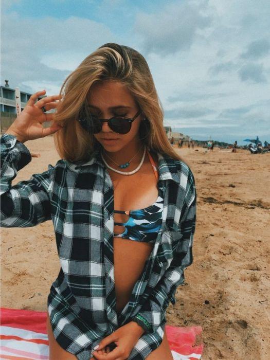 Красивые девушки в рубашках