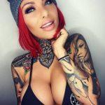 Красивые девушки с модными татуировками (25 фото)