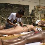 Новый тренд в Бразилии - загар в бикини из изоленты
