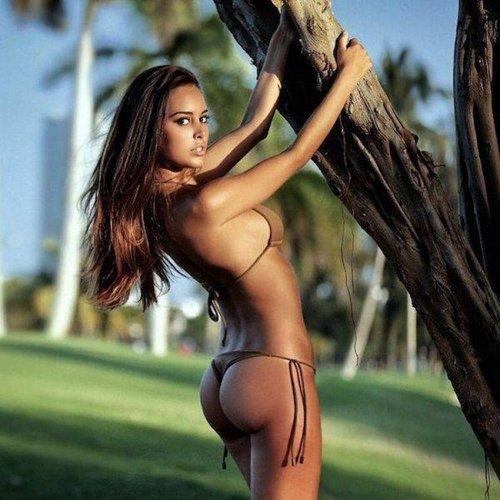 Фото красивых девушек в бикини