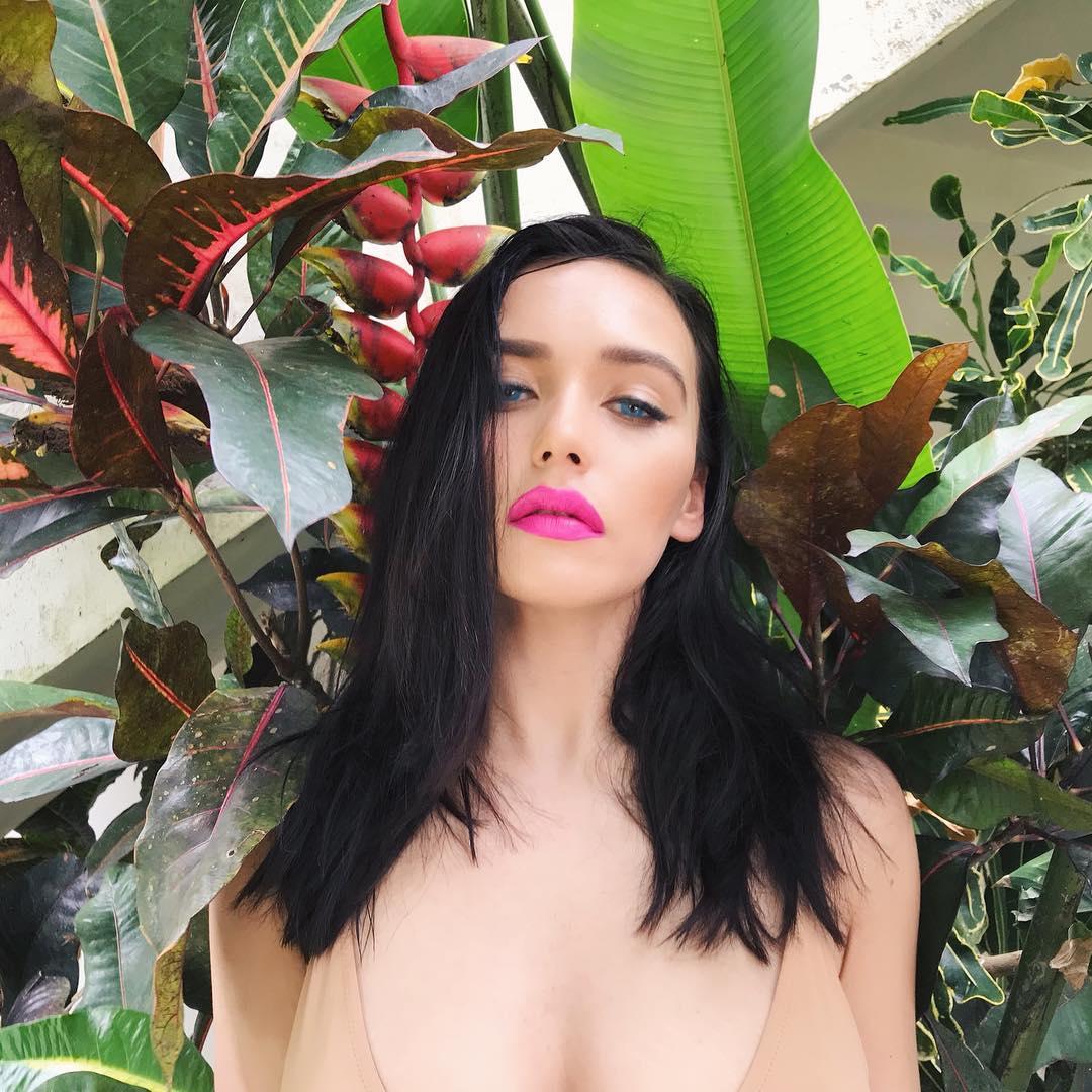 Ольга Серябкина выложила пикантные снимки с каникул на Бали