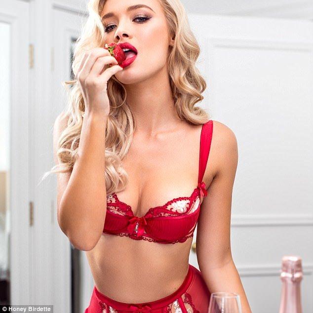 26-летняя британская модель Рокси Хорнер