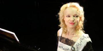 Экс-супруга Джигарханяна заявила о том, что в её адрес поступили угрозы