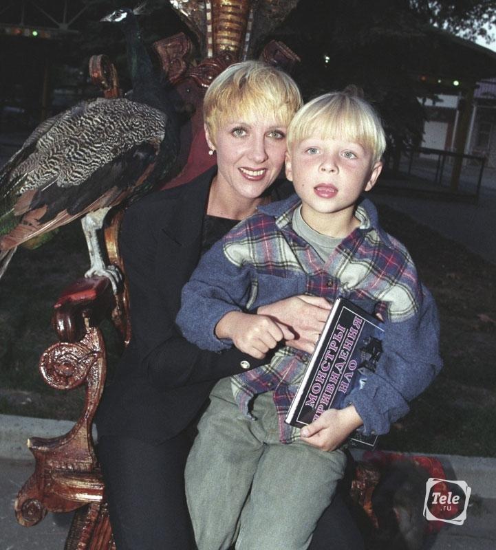 Сын знаменитой российской актрисы Елены Яковлевой, Денис Шальных