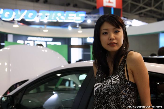 Милые японки в Токийском автосалоне (58 фото)