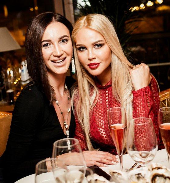 Ольга Бузова и Мария Погребняк поспорили, кто красивее