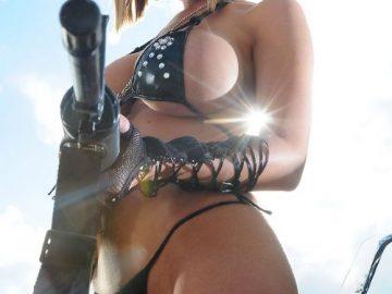 С 23 февраля! Девушка с оружием на открытку для поздравления (14 фото)