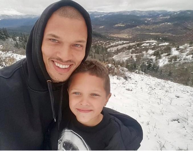Джереми Микс с сыном