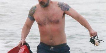 Бен Аффлек позабавил поклонников своей нелепой татуировкой (4 фото)