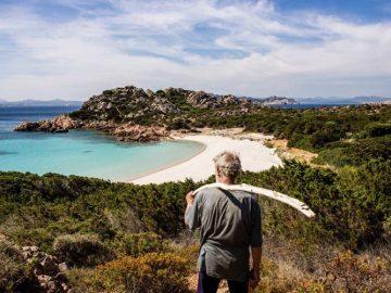 Снимки уединенной жизни 79-летнего отшельника на острове Сардинии (25фото+1видео)