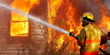 Как вести себя во время пожара в здании взрослым и детям? Это стоит знать (3фото)