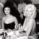 Софи Лорен и Джейн Мэнсфилд. История скандального фото (11фото)