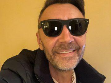 Сергей Шнуров выпустил новый сингл «Всякое» к своему 45-летию