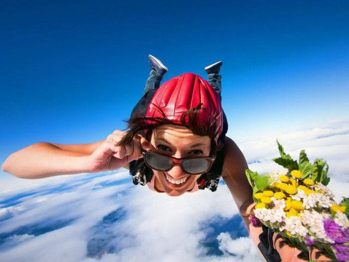 Прикольные фото парашютистов в небе (49 фото)