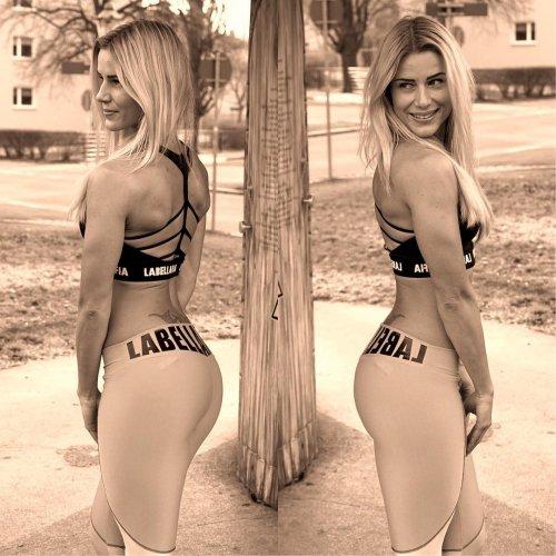 Instagram девушки из Германии, пропагандирующей ЗОЖ (16 фото)