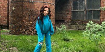 Эвелина Бледанс на неудачном фото стала похожа на Юлию Самойлову