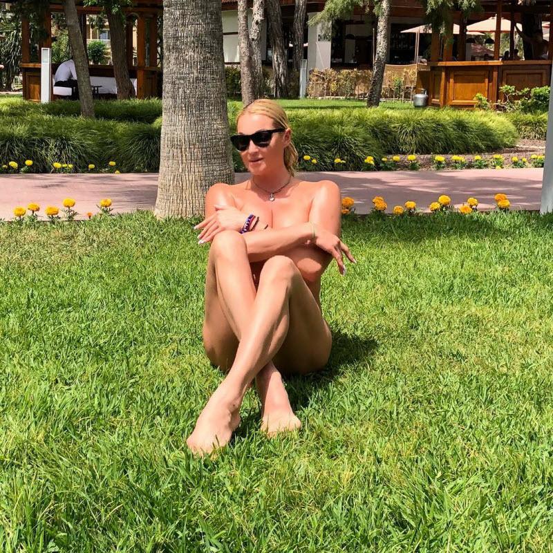 Анастасия Волочкова на фото из Instagram (29 фото)