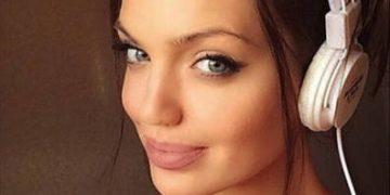 Челси Марр — точная копия Анджелины Джоли (25 фото)