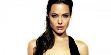 Анджелина Джоли в траурном наряде появилась в Голливуде