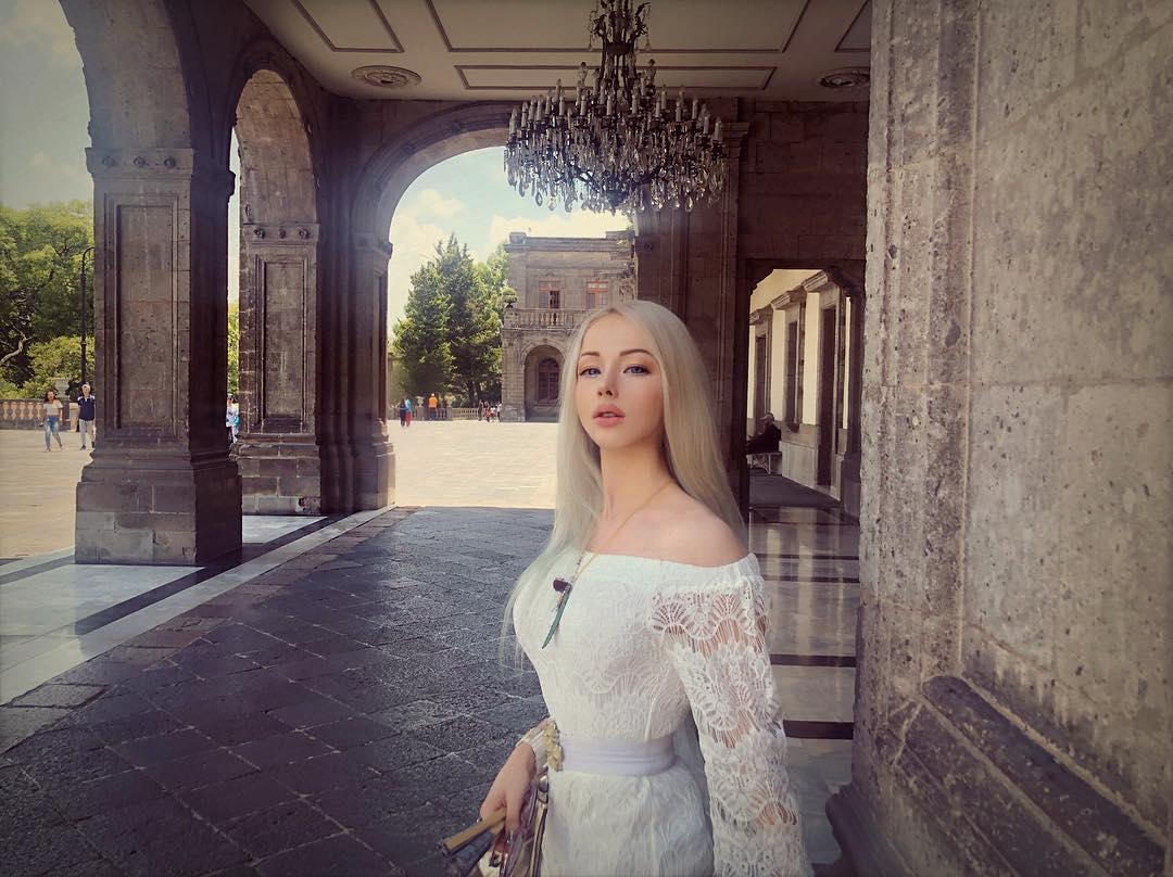 valeria lukyanova instagram - HD1080×808