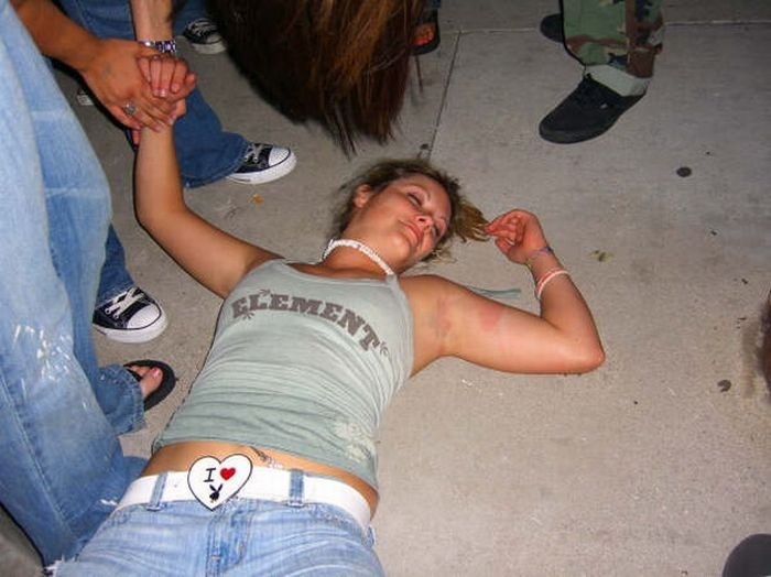 Секс приколы пьяных баб — photo 11