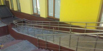 Ляпы строителей: пандусы для инвалидов и колясок (22 фото)