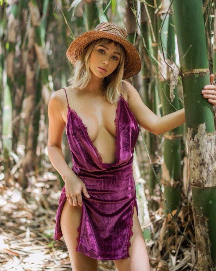 Cара Джин Андервуд - популярная модель и путешественница (28 фото)