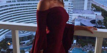 Фото девушек в платьях всех цветов (33 фото)