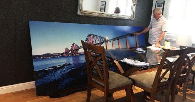 Мужчина купил картину железнодорожного моста (4фото)