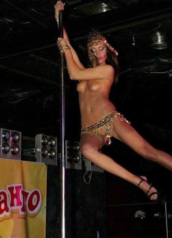 Порно стриптиз от тани