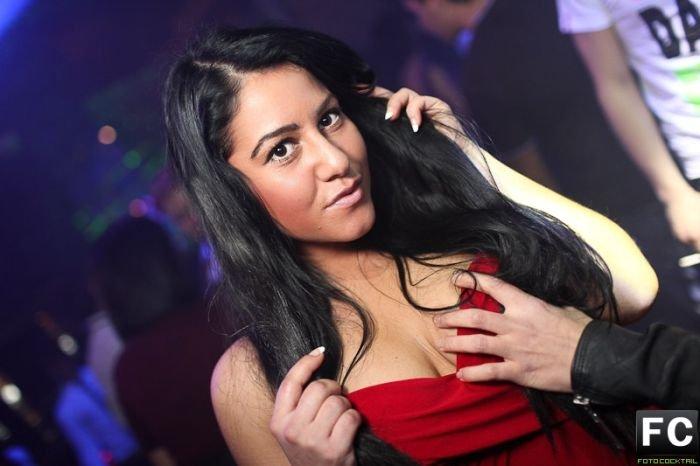 fotografii-seksi-devushek-iz-nochnih-klubov