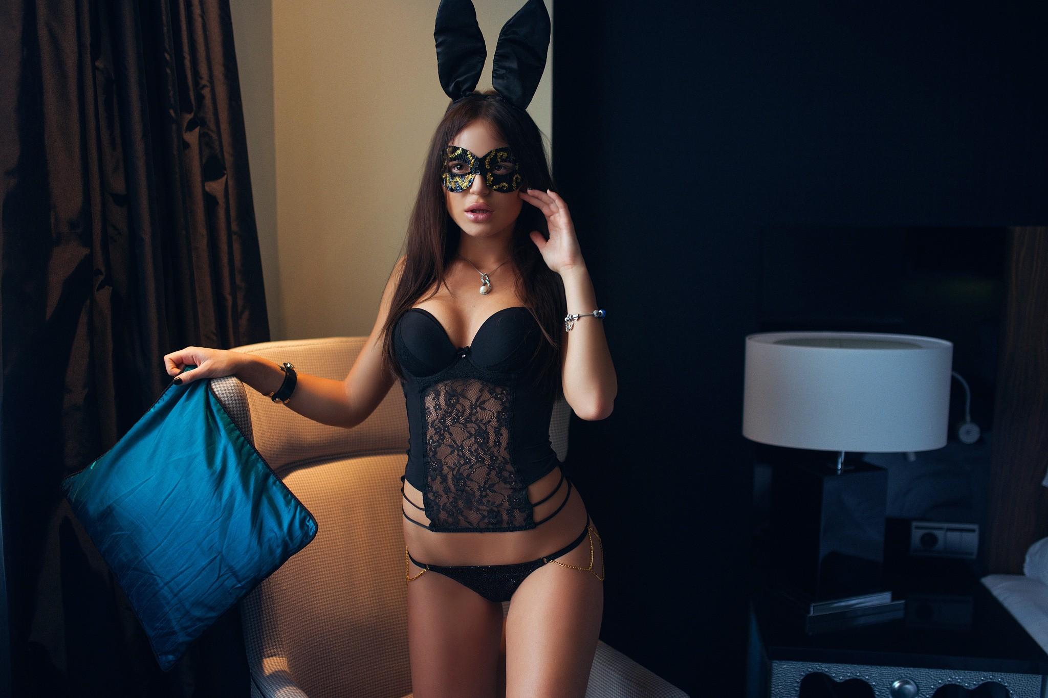 seksualnie-devushki-v-maskah