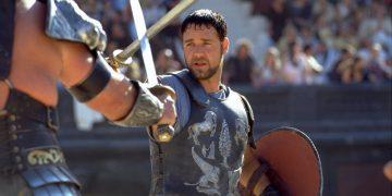 «Гладиатор» уже не тот: Рассел Кроу сильно располнел (4фото)