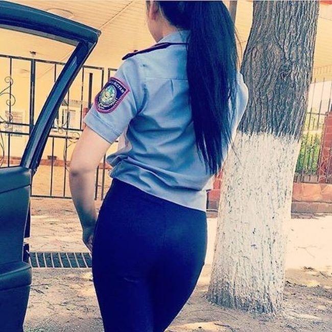 фото хороших попок в форме полиции фото бисексуальных