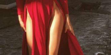 Девушки в платьях (44 фото)
