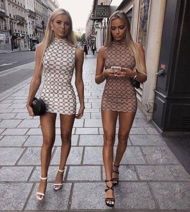 Фото девушек в обтягивающих коктейльных платьях (35 фото)