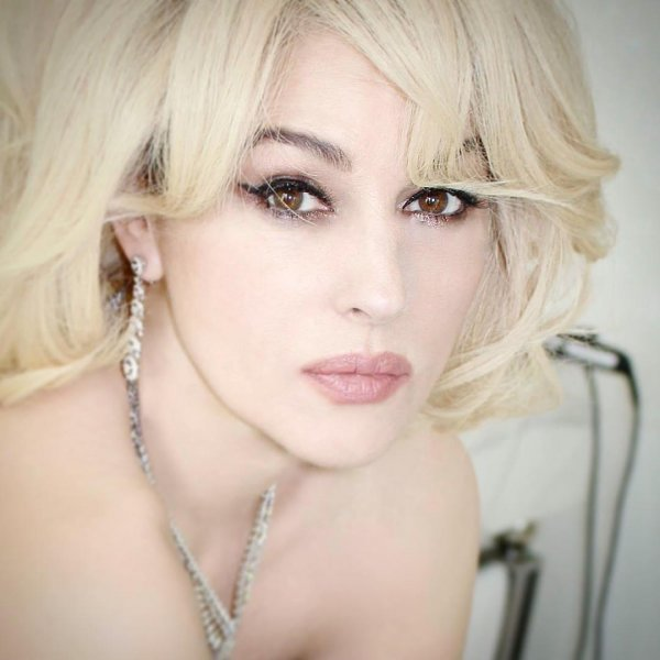 Моника Беллуччи примерила образ блондинки (12фото)