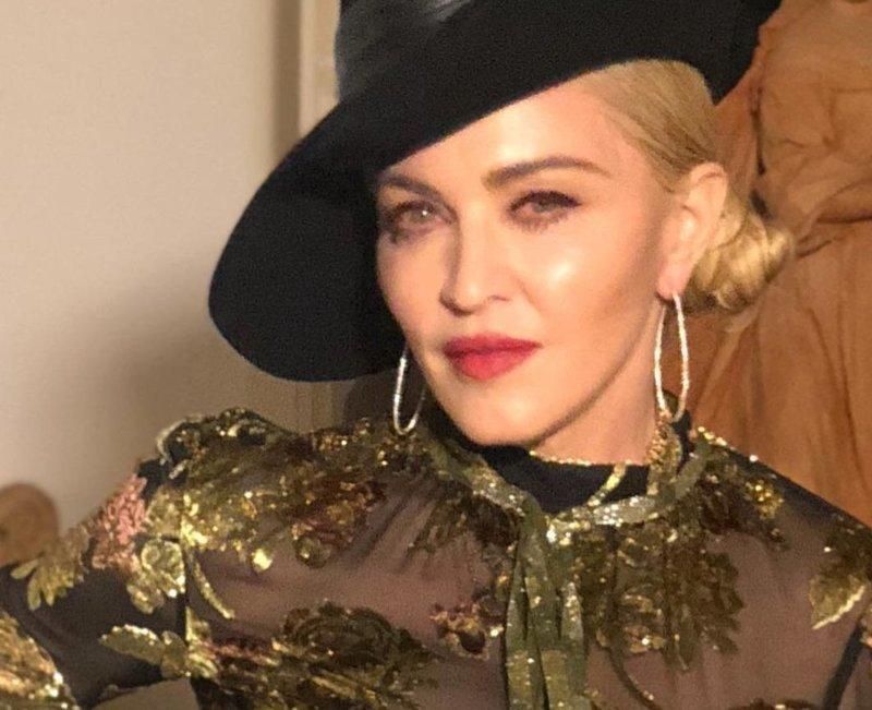 Мадонна выложила свежую фотку в нижнем белье (4фото)