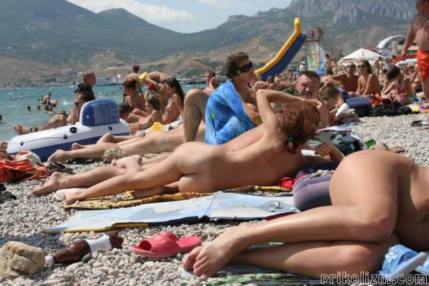 Нудистский пляж (160 фото). Голые девушки нудистки
