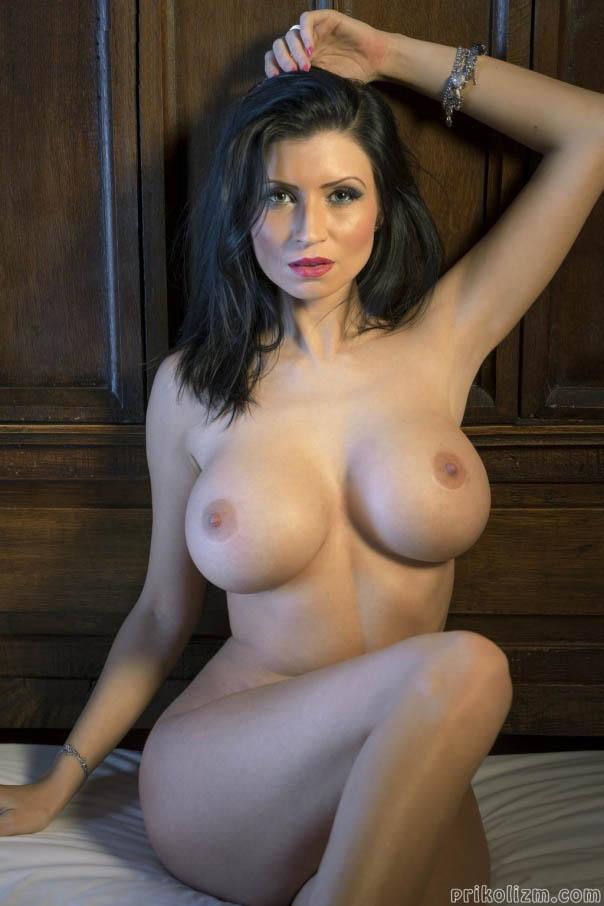 kat-pornstar-naked