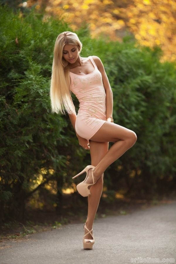 siski-aziatki-russkie-devushki-seksualni-foto-obtyagivayushih-yubochek