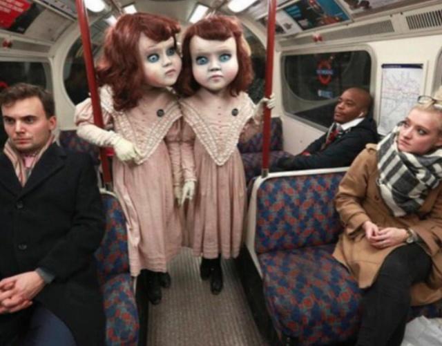 Странные фото из лондонского метро (31 фото)